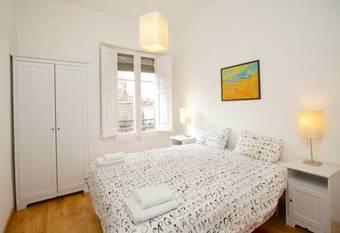Gaudi Sagrada Familia Apartment