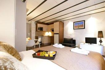 Loft Born Hotel