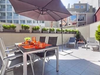 Charmsuites.com Apartment