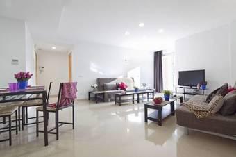 Charmsuites Nou Rambla Apartment