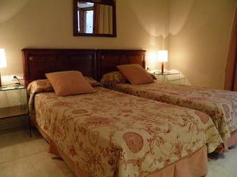 Apartaments St. Jordi Comtal Apartment