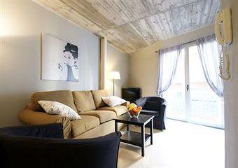 Borne Lofts Apartment