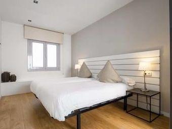 Rent Top Apartments Rambla Catalunya Villa