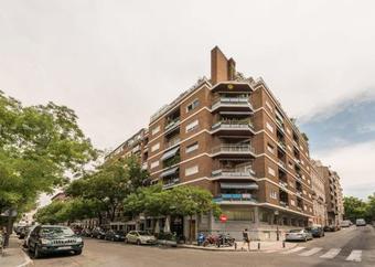 Apartamentos Los Jerónimos Apartment